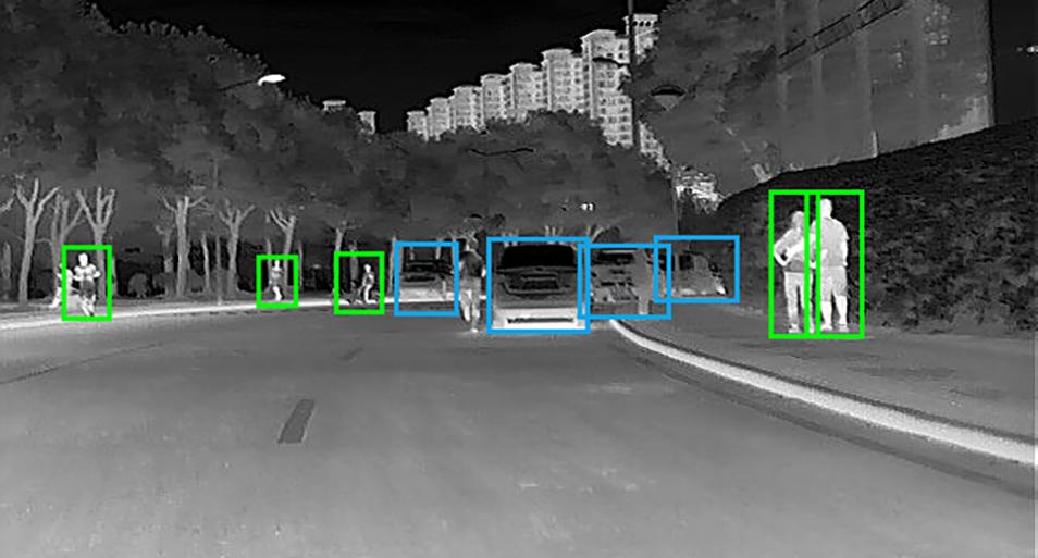 艾睿光电红外热成像仪应用于行人识别